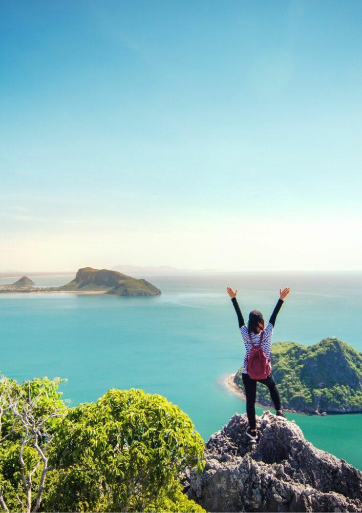Fühlt sich frei und unbeschwert beim Reisen